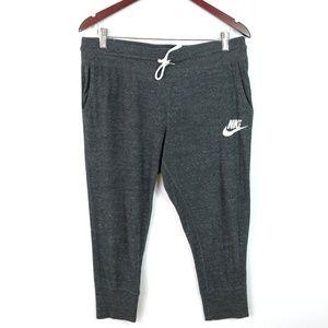 NIKE Women's Gym Vintage Capri Sweatpants Size L